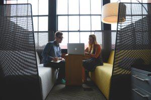 comunicación no verbal en tu elevator pitch
